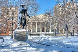 image of statue in Philadelphia